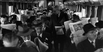 leyendo en tren