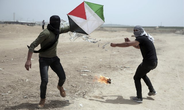 Las cometas de Hamás que arden en Israel