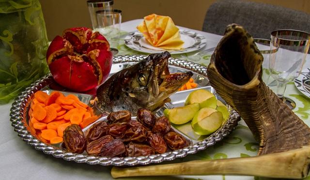 Un pescadito para Rosh Hashaná y sopa de legumbres secas
