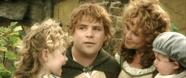 Alexandra & Sean Astin and Sarah & Maisy McLeod as Elanor, Sam, Rosie, & 'Baby Gamgee', Final scene, ROTK. (Sam and Rosie's second child was a male named Frodo)