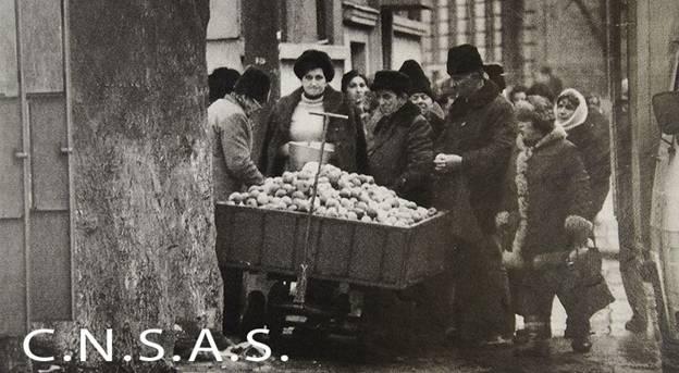 Coada la cartofi inghetati, Brasov, noiembrie 1987