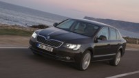 150403-oto-skoda-superb2