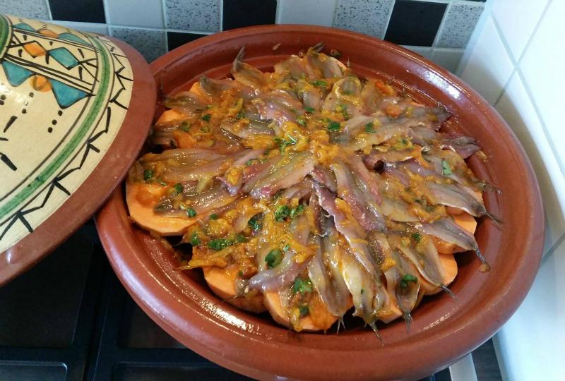 Tajine met ansjovis en zoete aardappel
