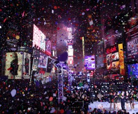 New-York-City-New-Year-2013-Ball-Drop-in-Times-Square-16