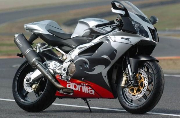 Aprilia RSV 1000R Mille 1