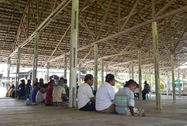 Pertemuan Warga Pulau Mansinam dan Kepala Distrik Manokwari Timur