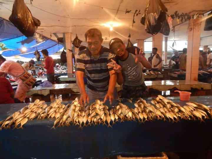penjual pasar sanggeng
