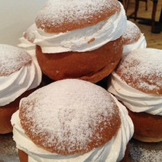 I was introduced to semlor, a Swedish pastry which is popular around Fat Tuesday.