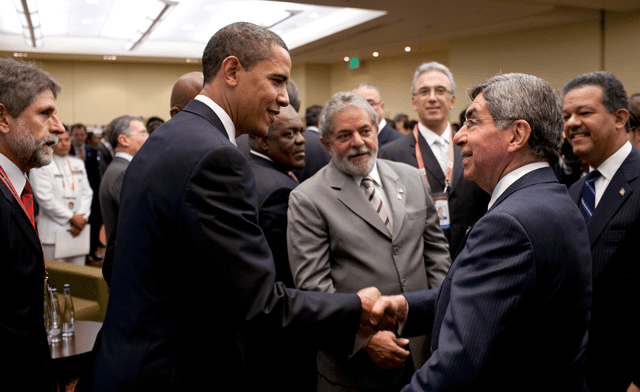 Oscar Arias with Barack Obama