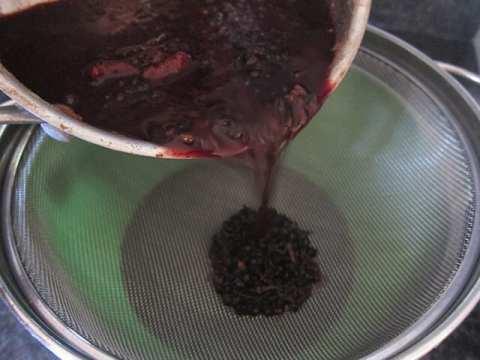 DIY Elderberry Syrup Recipe | Real Food RN