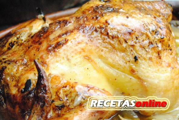 Pollo asado al horno de leña - Recetas de cocina RECETASonline