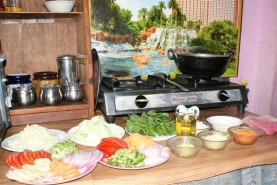 Ingrédients pour la mothup soup au cours de cuisine tibétaine de Lhamo