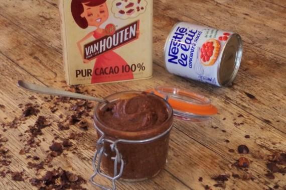 Pâte à tartiner maison au chocolat praliné et noisettes © Recettes d'ici et d'ailleurs