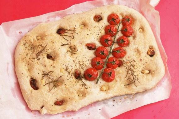 Focaccia aux tomates - Recette italienne © Recettes d'ici et d'ailleurs