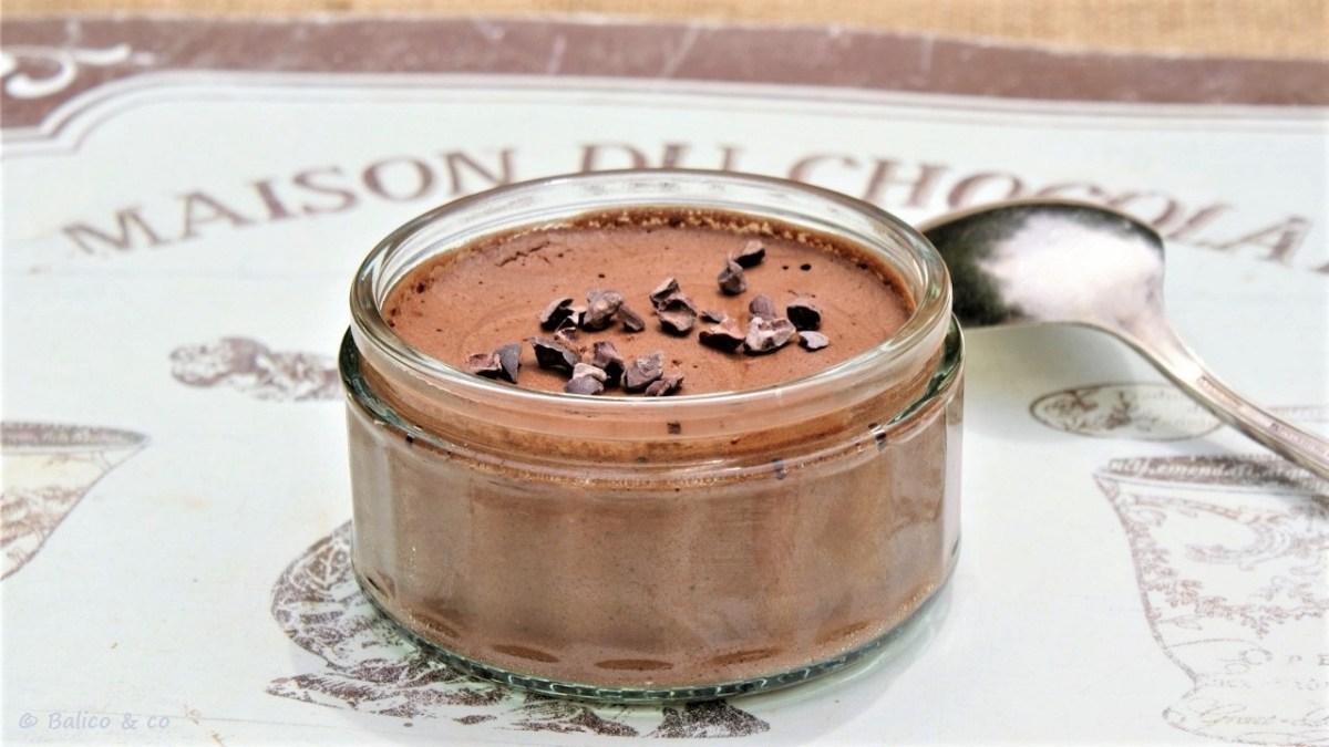 Mousse au chocolat végétale à l'aquafaba (eau de pois chiche)