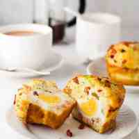 Bacon & Egg Breakfast Muffins