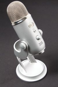 DV016_Jpg_Large_423203.001_Microphone
