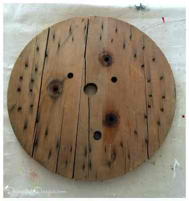 wooden-spool-end-ready-to-turn-into-art