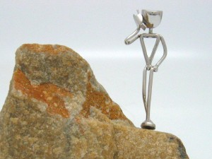 RED EARTH Trophies awards sculptures Contact - Figure walking with Cellphone - 06 sml