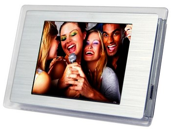 fridgemagnetdigiframe small Fridge Magnet Digital Photo Frame   smile and say cheese...