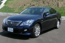toyotanoisecancelling Toyota Crown hybrid using noise canceling tech   quieter ride at head height