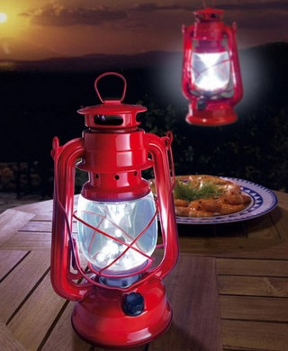 LEDKerosenelantern small2 LED Kerosene Lantern   retro lighting swings gently in the breeze