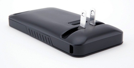 JuiceTank iPhone Case JuiceTank iPhone Case has everything you need to keep your phone powered up