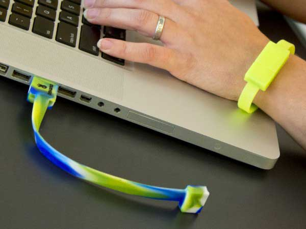 OnHand 8GB USB Flashdrive Wristband – Memory you can wear