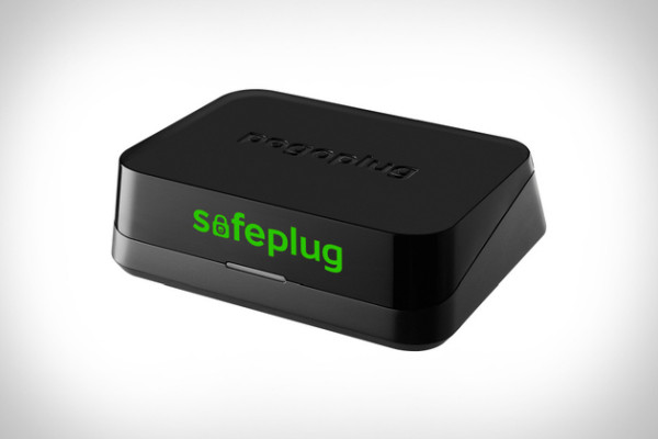 safeplug e1391983909729 SafePlug   makes your Internet browsing secure and anonymous