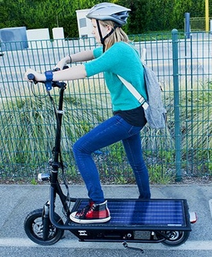 solarelectricscooter2 Solar Electric Scooter   gives you 1 mile of range for every hour of sunlight it receives