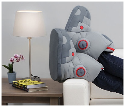 giantrobotslippers2 Giant Robot Slippers With Sound   the most annoying slippers in the world