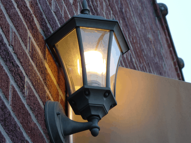 Make Your Home More Green with LED and CFL Lights