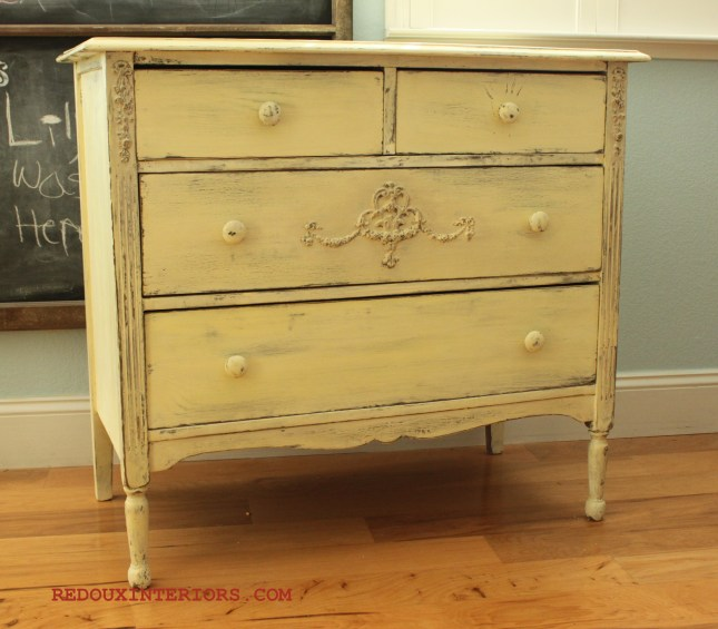 Sideboard in Gold