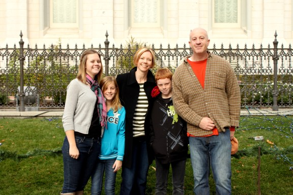 Berg family in front of SL temple