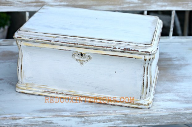 Jewelery box with gold metallic wax redouxinteriors