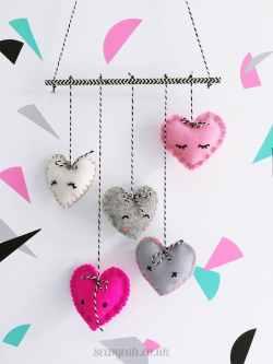 Incredible Make A Felt Heart Mobile Diy Heart Felt Mobile 1 How To Make A Heart On Desmos How To Make A Heart Friendship Bracelet
