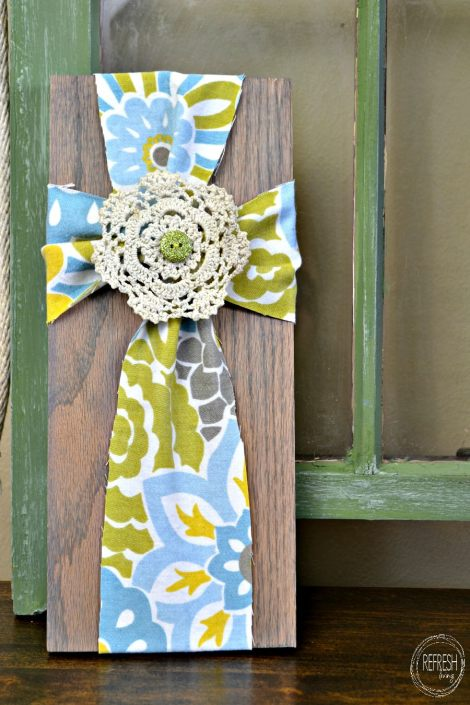 DIY easter decoration fabric cross