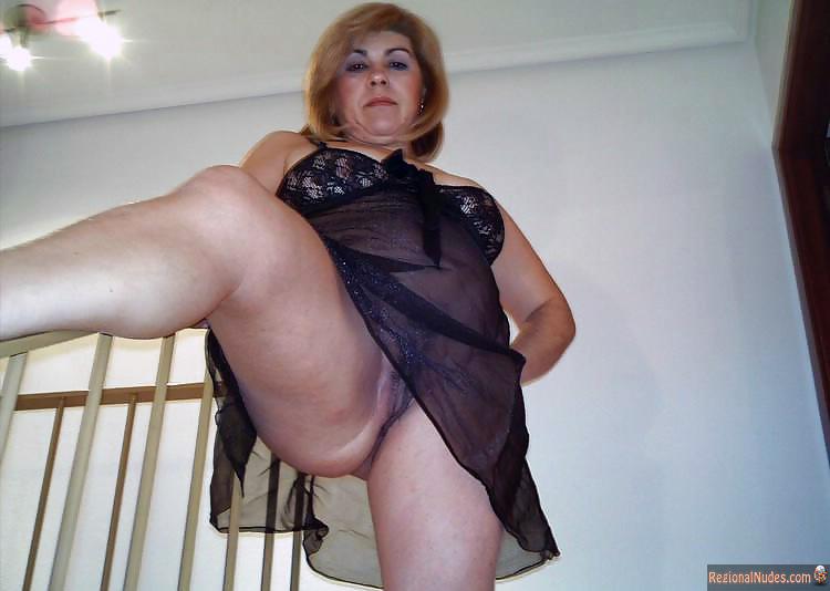 everyday mature nude women