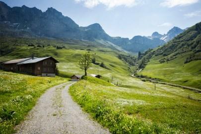 Schweiz Graubünden Prättigauer Höhenweg Prättigau Aufstieg zum Partnunsee