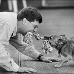 """Šuns ir šeimininko ryšio kūrimas ar komanda """"pas mane"""""""
