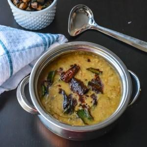 Gujarati Surati Dal / Peanut Tomato Lentil Recipe