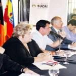 Liborio Guarulla, gobernador de Amazonas, considera que el Ejecutivo vulnera a mandatarios locales.