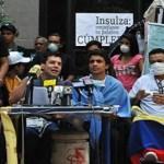 Pese a la petición del secretario general de la OEA, José Miguel Insulza, de que depongan esa medida.