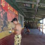 Los comerciantes playeros han puesto su empeño para mejorar la imagen de las costas varguenses. Esperan que su cercanía con la ciudad les beneficie los próximos días.