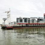 El plan incluyó aumentar la generación eléctrica mediante la instalación de barcazas.