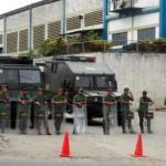 Las ambulancias de Protección Civil Zamora y Bomberos de Miranda han trasladado hasta las 10:59 p.m. más de 50 privados de libertad heridos de bala del penal Rodeo III, en Guatire, a centros asistenciales cercanos.
