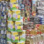 Los comerciantes informales venden el aceite entre 12 y 20 bolívares y el kilo de harina de maíz precocida en 7 bolívares.