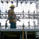 Los comerciantes que hacen vida en el Mercado Principal de Maracay, indicaron que existen muchas interrupciones eléctricas que causan daños a sus productos.