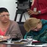 La titular de la cartera de la educación básica y diversificada no aguantó las 3 horas 20 minutos de duración del discurso del Jefe de Estado y fue capturada por las cámaras desde el Salón Néstor Kirchner, en el Palacio de Miraflores.
