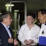 Pese a los desmentidos del ministro de Defensa, las dudas persisten sobre las misteriosas negociaciones secretas entre las Farc y el gobierno del presidente Juan Manuel Santos.
